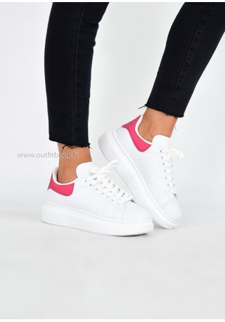 Baskets blanche avec plateforme et détail rose