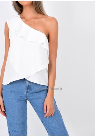 Asymmetric white top with ruffle