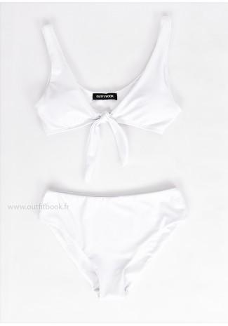 Bikini blanc avec noeud