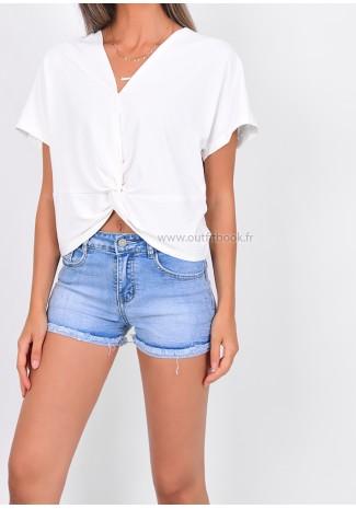 Short en jean avec ourlets éffilochés