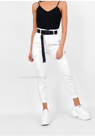 Pantalon cargo blanc avec ceinture