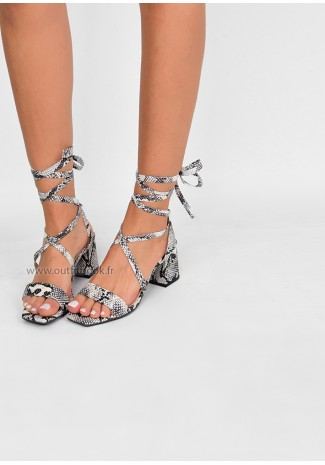 Sandales à talon carré imprimé serpent