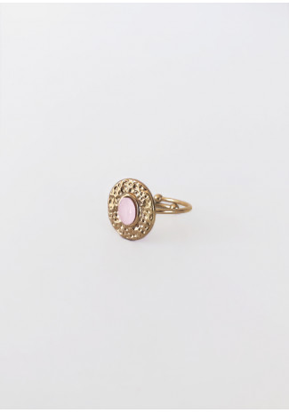 Ring with light pink stone detail