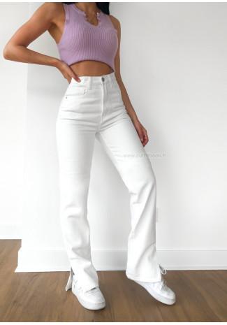 Jeans de pernera recta con abertura en el bajo en blanco