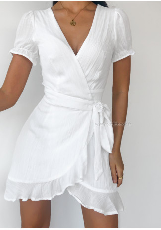 Wrap dress in white