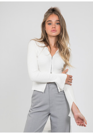 Zip front top with collar in white