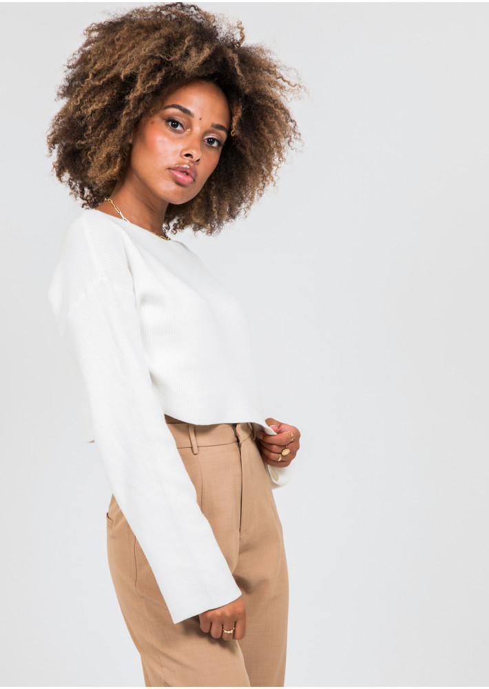 Pull court oversize blanc