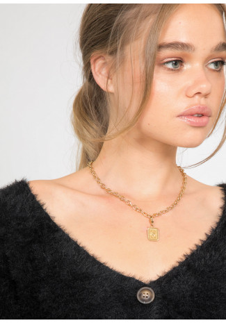 Chain necklace with pendant in gold