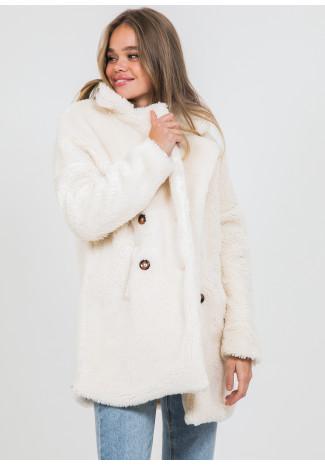 Abrigo de piel sintética en crema