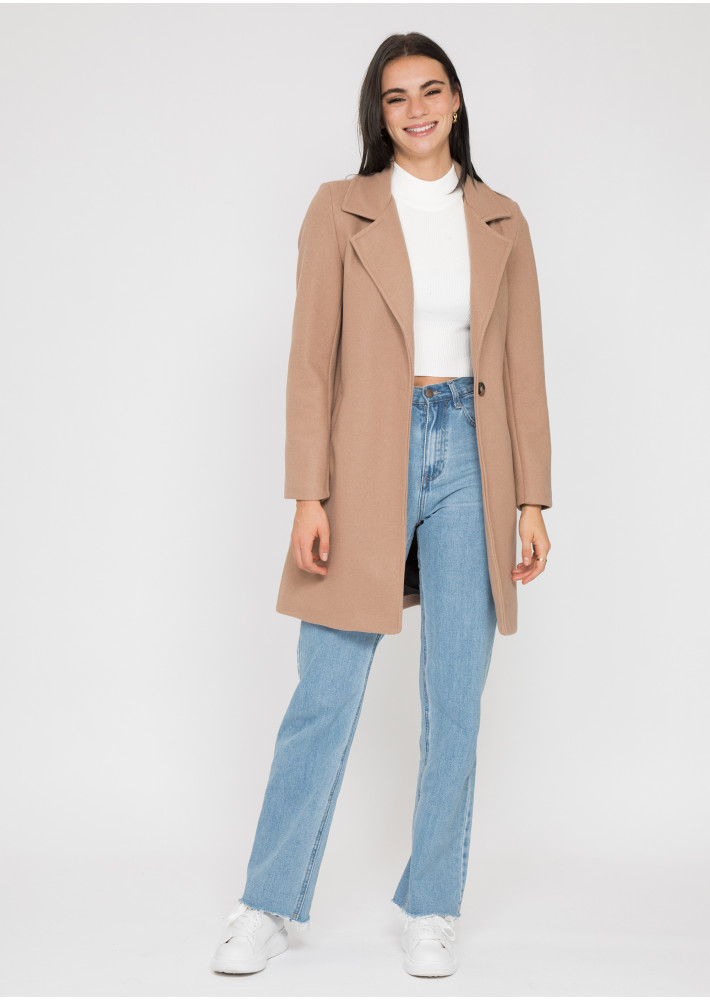 Tailored coat in camel