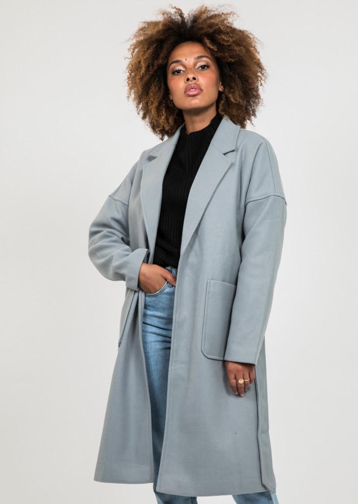 Manteau long gris avec ceinture à nouer