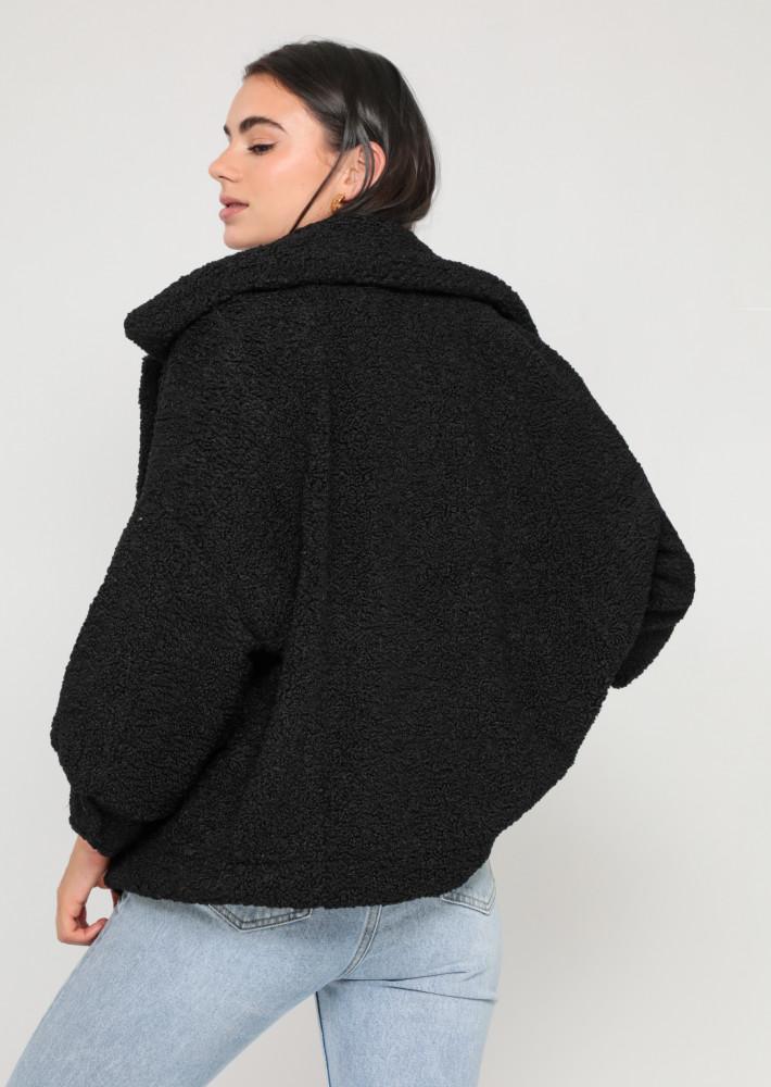 Chaqueta oversize de borreguito en negro