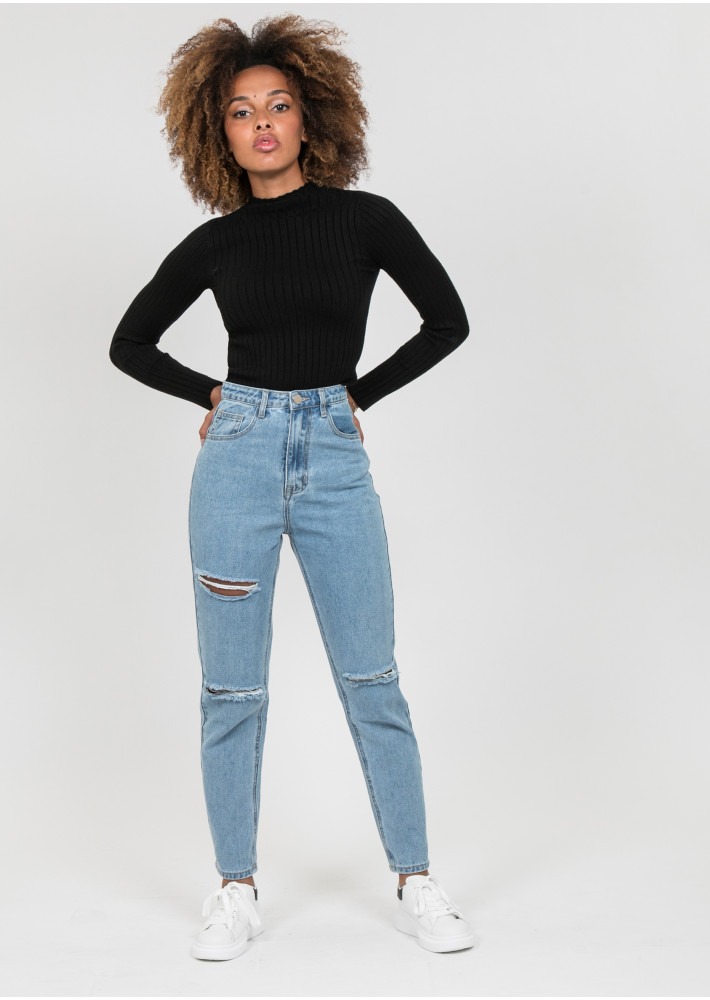 Ripped mom jean in blue