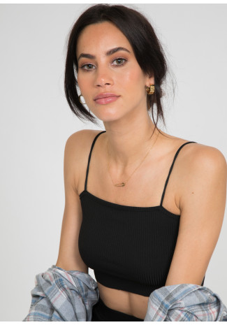 Safety pin necklace in gold
