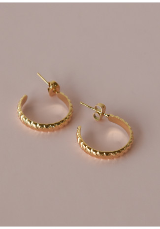 Earrings with twist hoop design