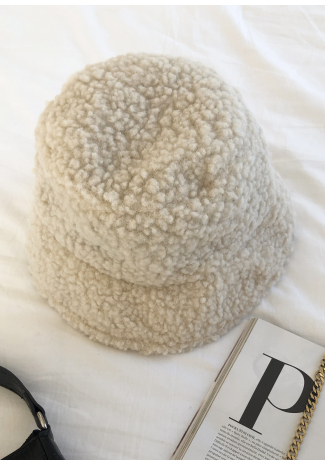 Borg bucket hat in beige