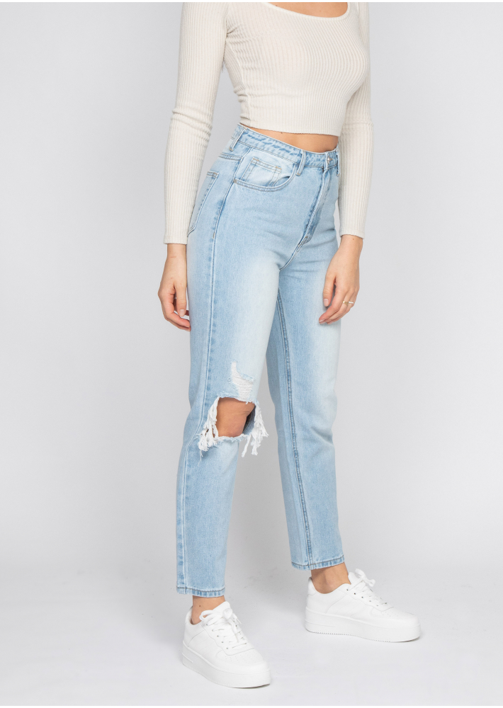 Ripped mom jeans in light blue