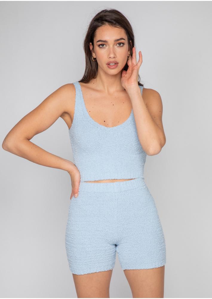 Conjunto de top y pantalones cortos de borreguito en azul