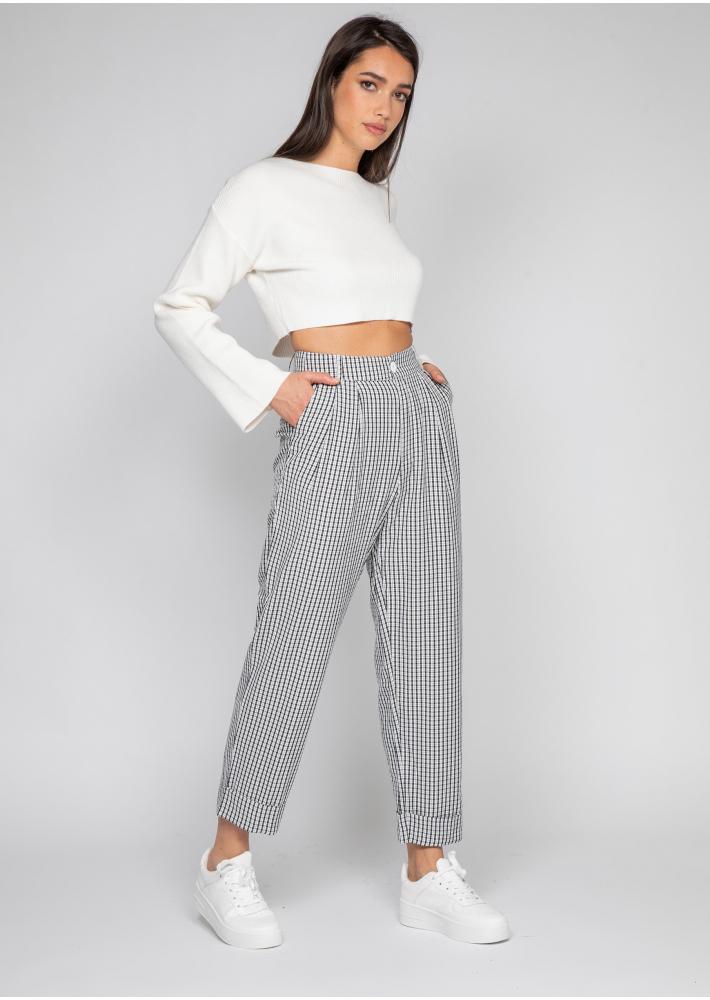 Pantalon fuselé à carreaux noir