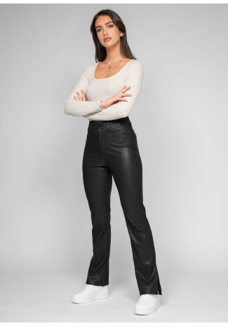 Pantalón de piel sintética con aberturas laterales en negro