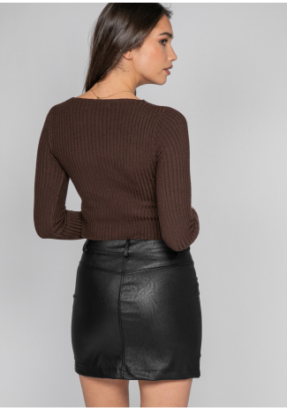 Faux leather skirt with front pockets in black