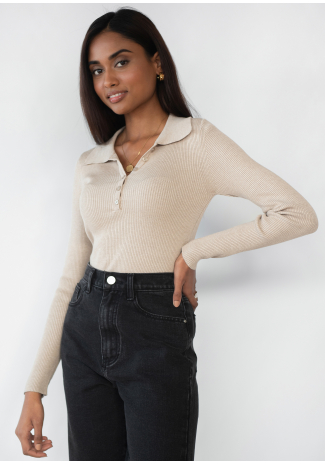 Knitted button up top with collar in beige