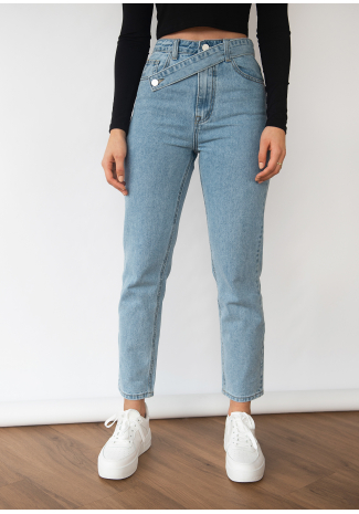 Jeans with asymmetric belt in blue