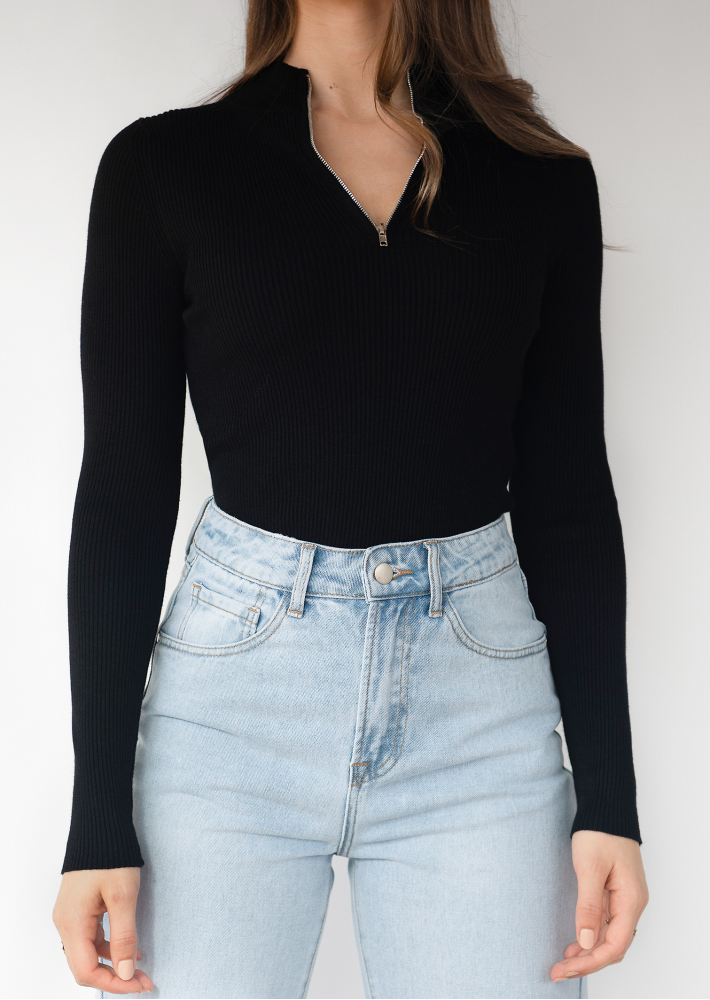 Ribbed half zip jumper in black