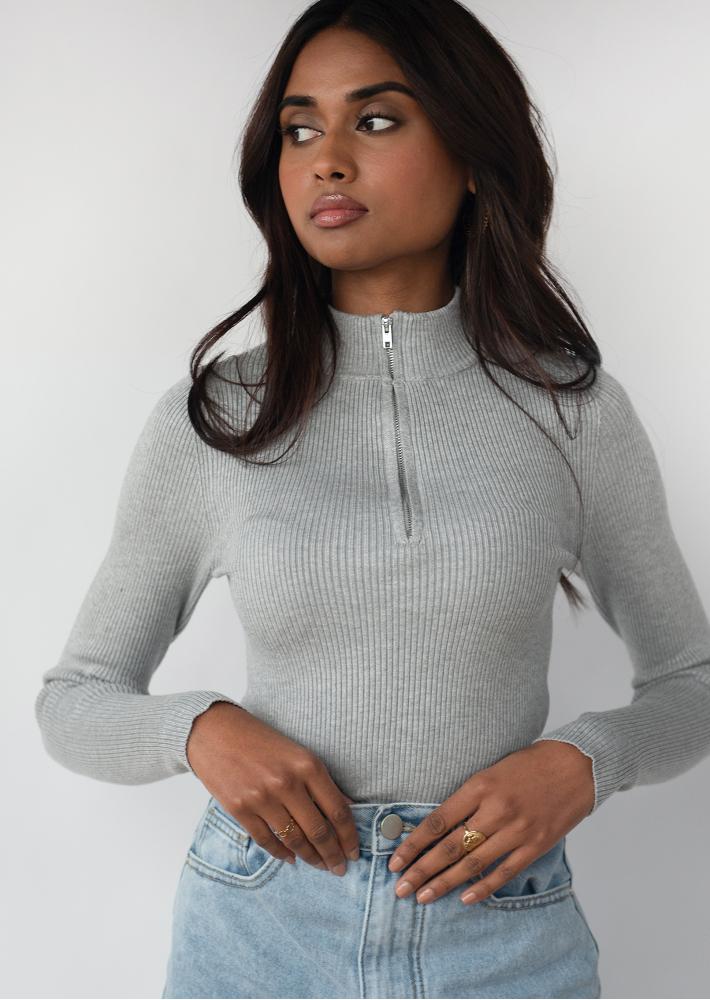 Ribbed half zip jumper in grey