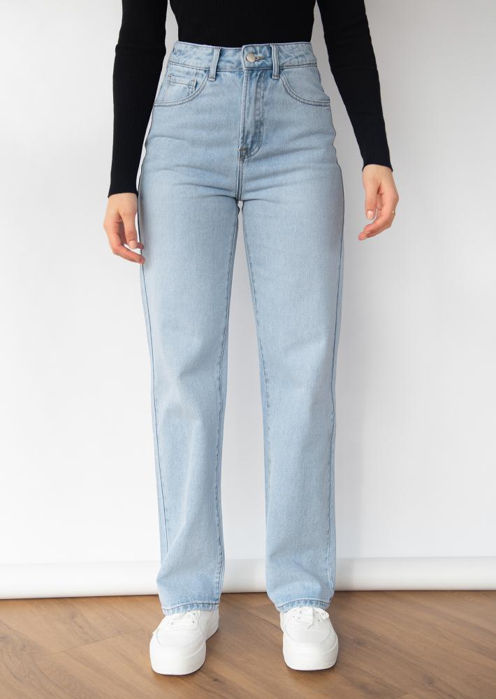 Loose straight leg jeans in light blue