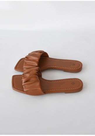 Square toe ruched  flat sandal in camel