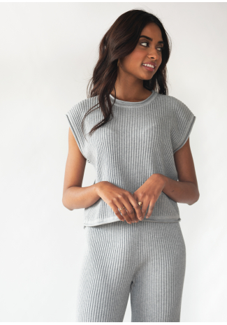 Ribbed knit top in grey