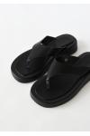 Toe thong flatforms