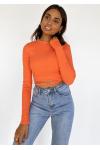 Top naranja con espalda al aire y anudada