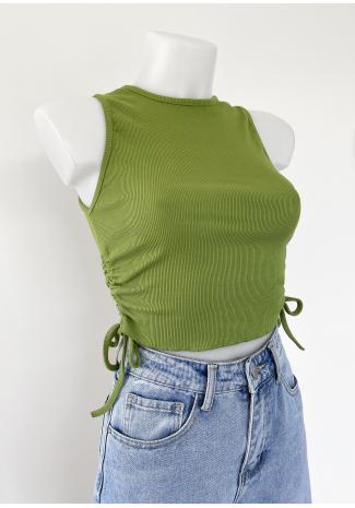 Camiseta con lateral fruncido en verde