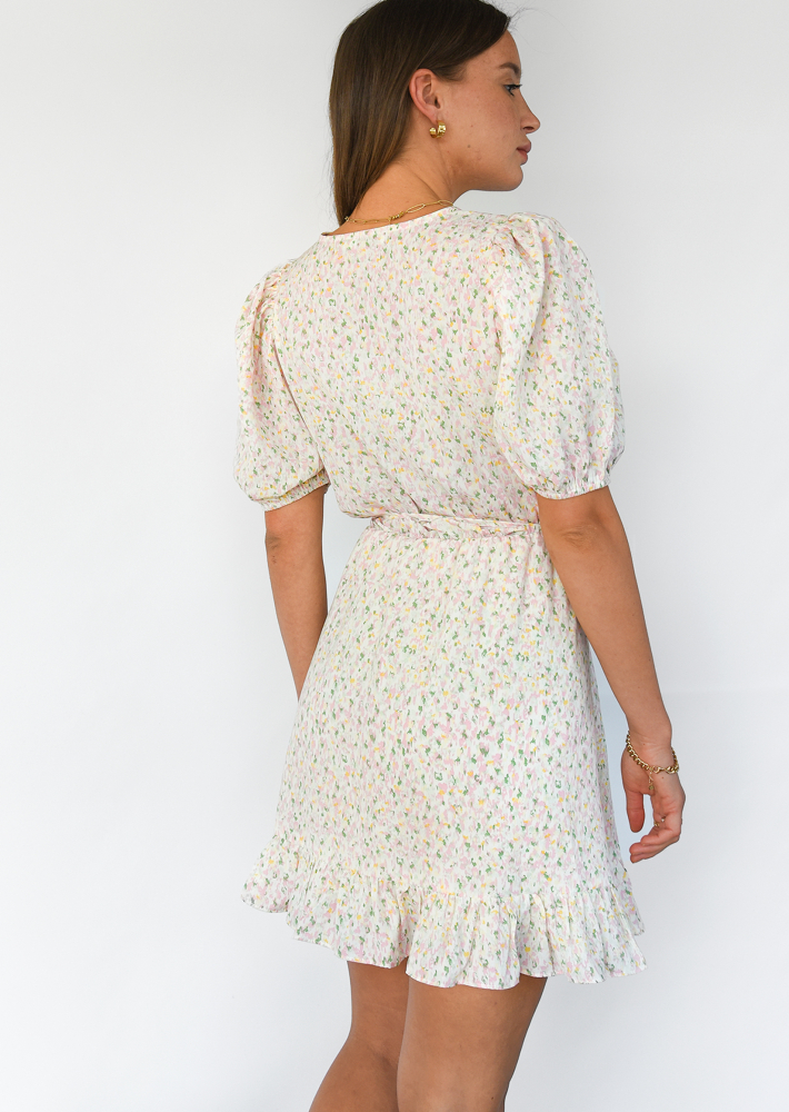 Wrap floral dress with puff sleeve