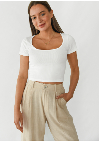 Ribbed top with round neck in white