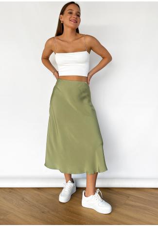 Falda midi de satén en verde