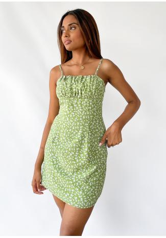 Vestido corto con estampado floral verde y tirantes finos