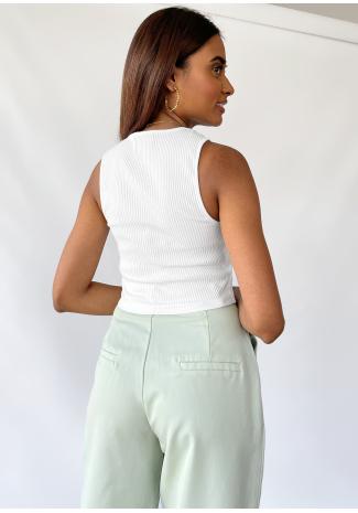Camiseta blanca de tirantes de canalé