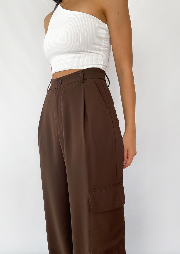 Wide leg cargo pants in brown