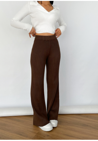 Wide leg knitted trousers in brown