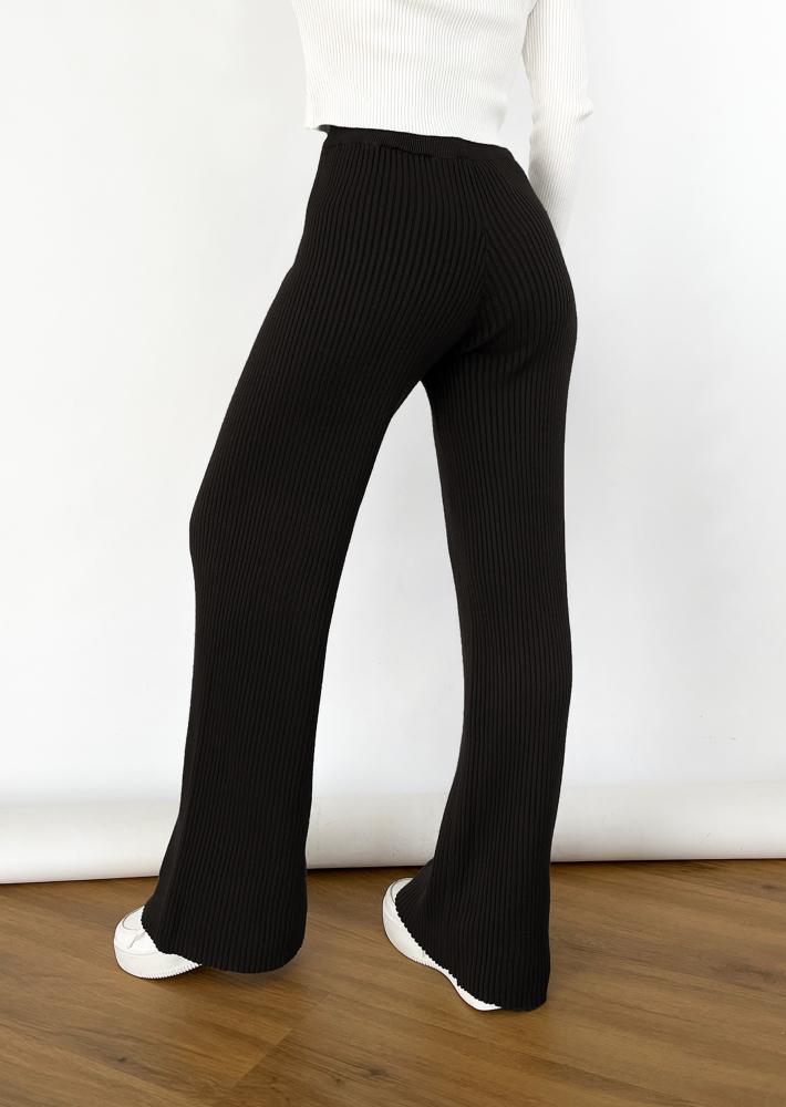 Pantalon large noir en maille
