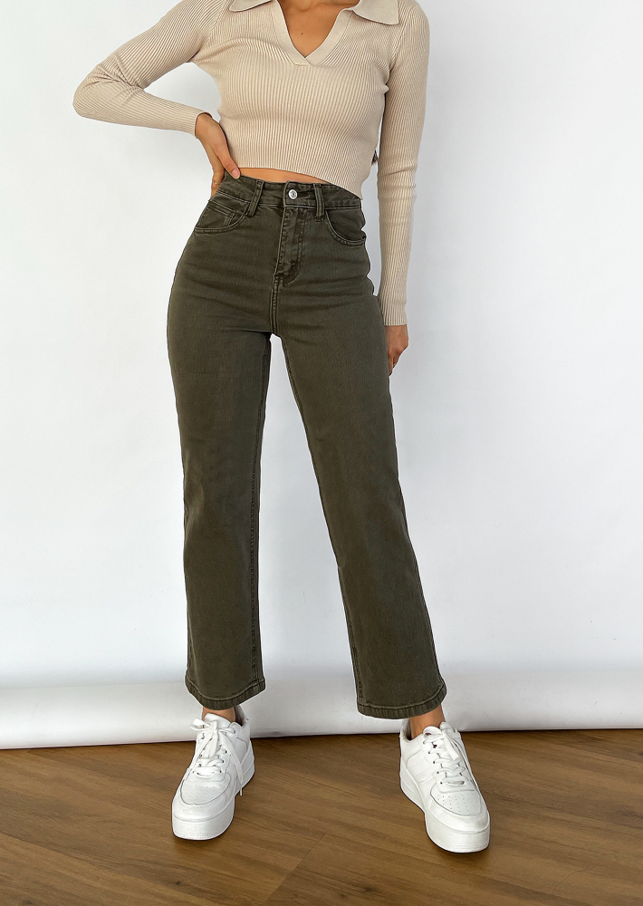 Dad jeans in khaki