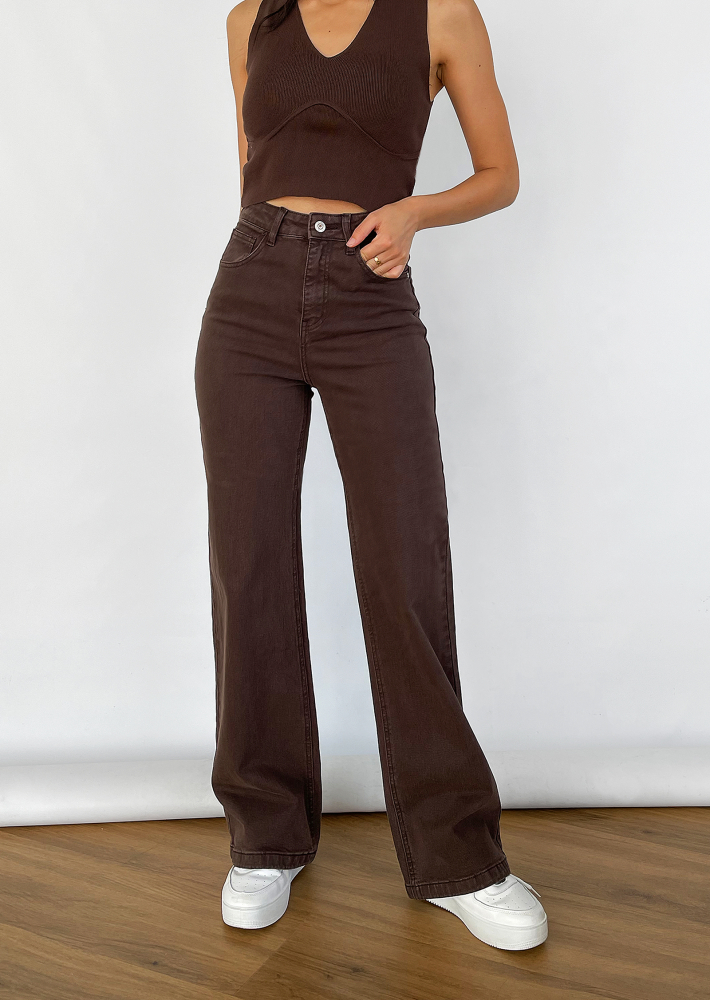 Flare jeans in brown