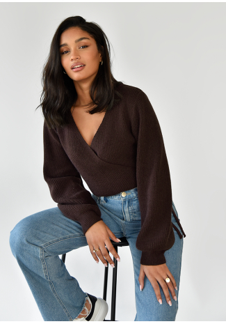 Wrap knitted jumper with ballon sleeves in brown